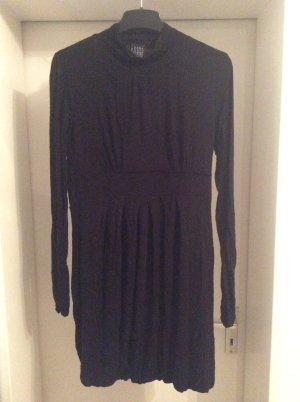süsses Kleid in schwarz von Zara Basic evening Collection