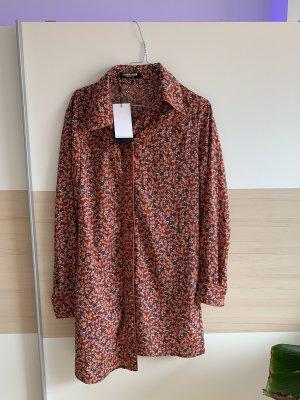 Süßes Kleid, lange Knopfleiste, ungetragen, komplett neu
