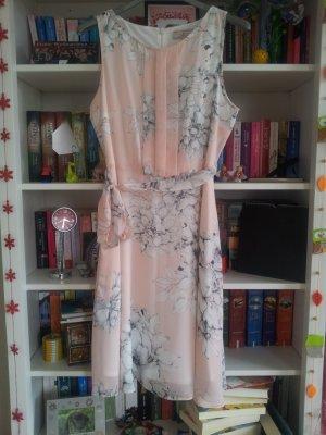 süßes Kleid mit Blumen Doroty Perkins