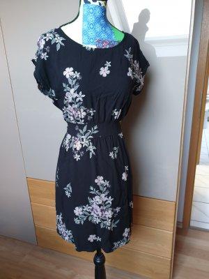Süßes Kleid mit Blumen Muster