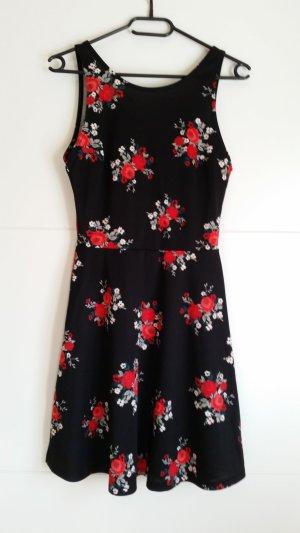Süßes Kleid mit Blumenmuster Gr. 36