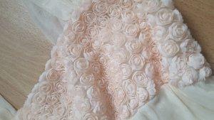 Süßes Kleid mit Rosen