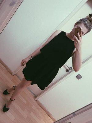 Süßes Kleid mit Rückenausschnitt von MANGO