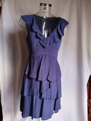 süßes Kleid mit Rüschen Seide Neuwertig!