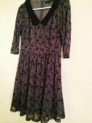 Süßes Kleid mit Schleifenprint von Sugarhill Boutique