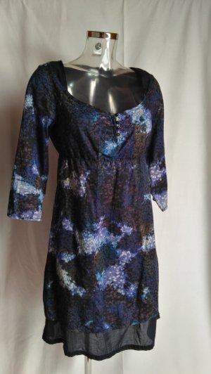süßes Kleid mit schönem Design! neuwertig!