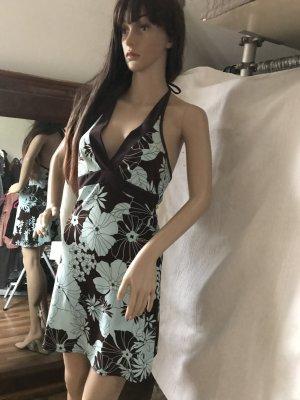 Süßes Kleid, strechig, tolles Decolteé