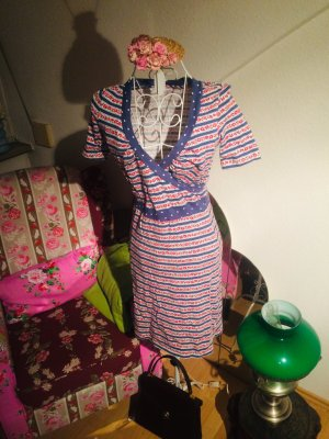 Süßes Kleid von Blutsgeschwister