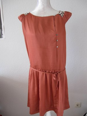 Süßes Kleid von Maison Scotch mit Perlenapplikationen