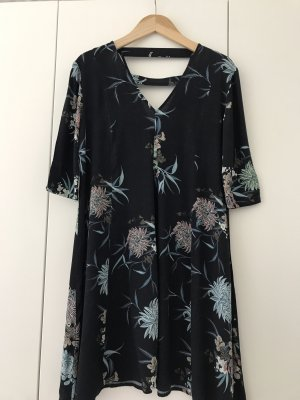 Süßes Kleid von Y.A.S.