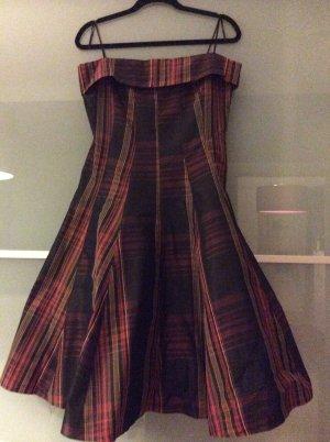 Süßes Kleid von Zara im angesagtem Karomuster