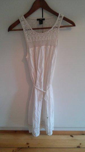 Süßes Kleidchen in weiß von H&M