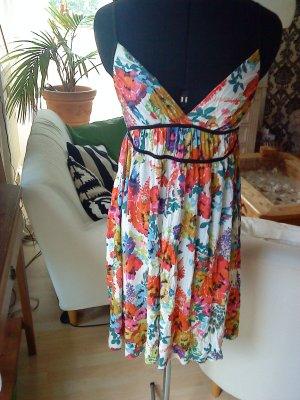süßes Kleidchen mit Blümchenmuster von HM 36