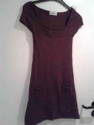 süßes Kleidchen Strickkleid Kleid Pulloverkleid - ungetragen
