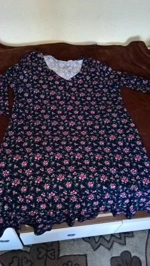 Süßes, knielanges Volant-Kleid mit rosaroten Blümchen