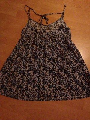 süßes kurzes  Blumen Kleid