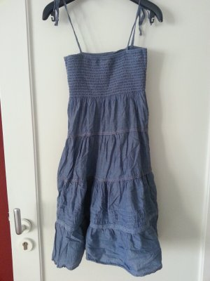 süßes luftiges Kleid mit abnehmbaren Trägern
