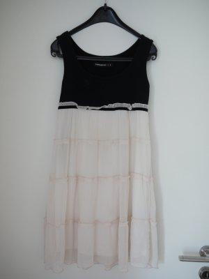 süßes Minikleid aus Jersey und Chiffon