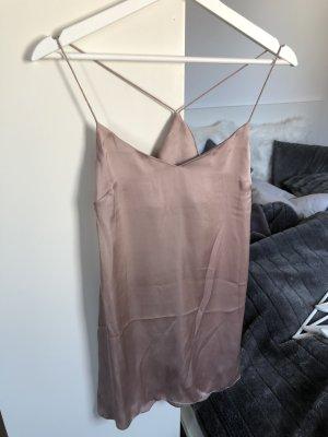 Süßes Nachthemd in Seidenoptik