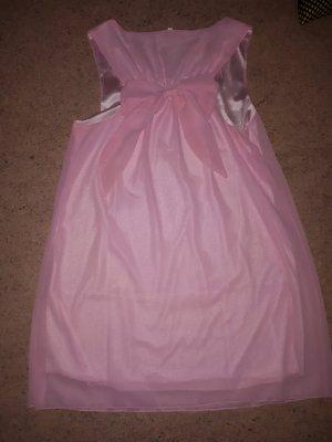 süßes rosa Kleid