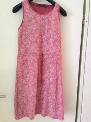 Süßes rosa Sommerkleid mitbBlümchenmuster