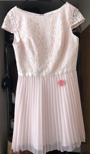 Chi Chi London Cocktail Dress pink