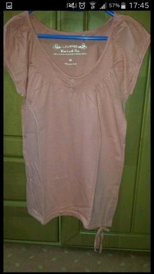 süßes rosa tshirt :)