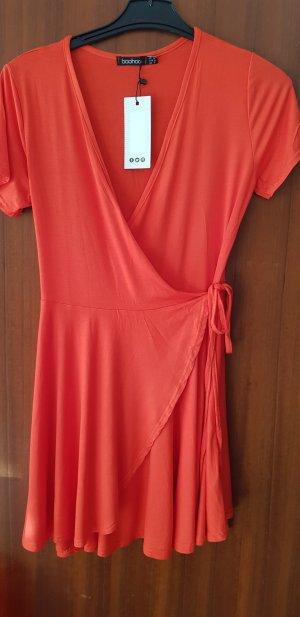 süßes rotes Kleidchen, neu ungetragen Gr 40 boohoo