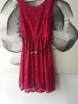 Süßes schickes Sommerkleid