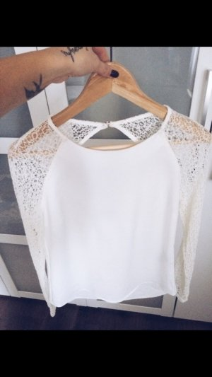 Süßes, schickes, weißes Langarm Shirt