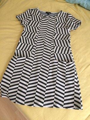 Süßes schwarz-weißes Kleid von Mexx