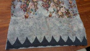 Süsses Shirt von ZARA mit wunderschönem floralen Print