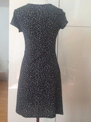 Süßes Sommerkleid, dunkelblau mit weißen Punkten, schönes décolleté, leicht zu tragen