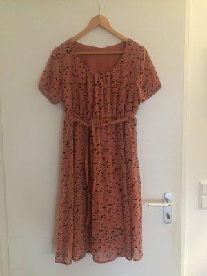 Süßes Sommerkleid (für Schwangere geeignet)