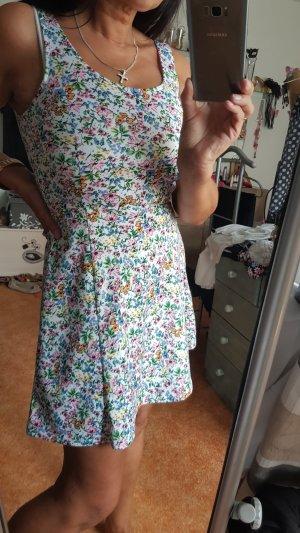 Süßes Sommerkleid Gr 38 Neu ungetragen