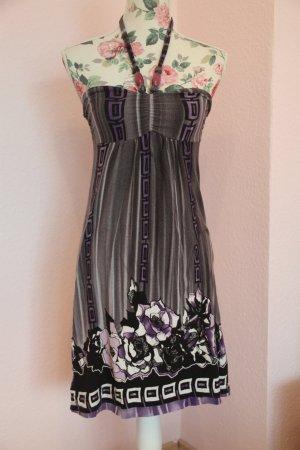 Süßes Sommerkleid in Größe 34 mit Streifenmuster
