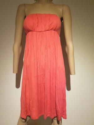 Süßes Sommerkleid in pink und trägerlos