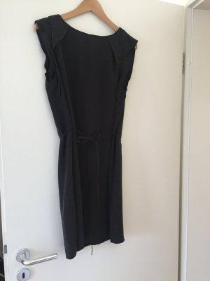 Süßes Sommerkleid Mini mit kleinem Bindegürtel