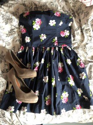 Süßes Sommerkleid mit Blumen von A&F