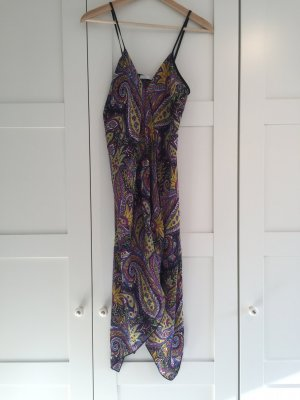 Süßes Sommerkleid mit Paisley Muster