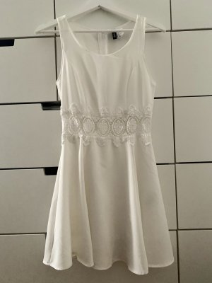 Süßes Sommerkleid mit Spitzendetail Skaterkleid