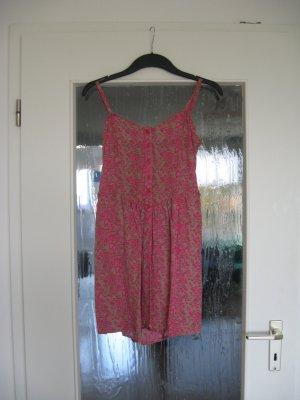 Süßes Sommerkleid mit verstellbaren Trägern