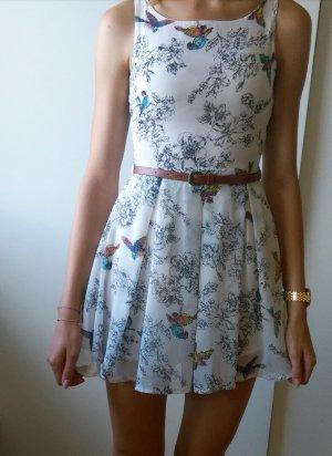 Süßes Sommerkleid mit Vogelmotiv