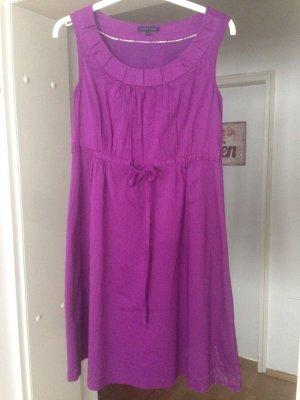 Süßes Sommerkleid von Hilfiger Gr. 6  € 20,-