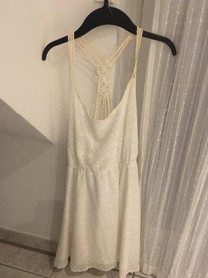 Süßes Sommerkleid von Review