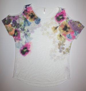 süßes sommerliches Shirt mit Blumendetails und Schulteröffnungen