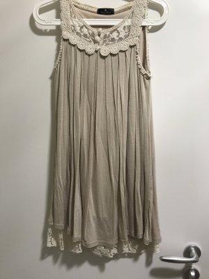 Süßes spitzen Kleid in Creme