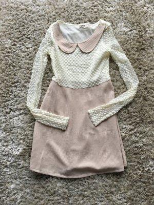 Süßes Spitzen-/Waffelpique- Kleid in A-Linie