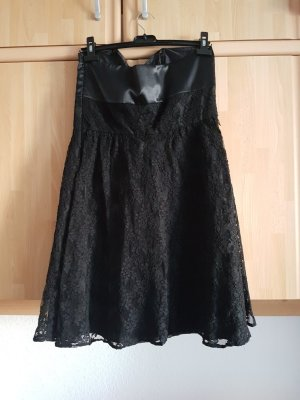 Süßes Spitzenkleid in schwarz