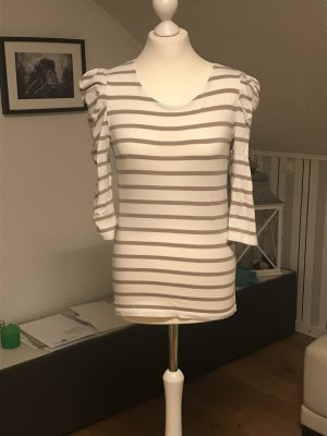 Süßes Streifen-Shirt mit Puffärmeln in Größe M.